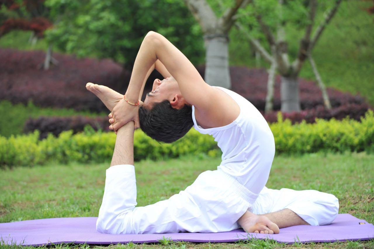 瑜伽大师-VJ